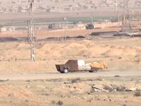 クルド人部隊の自爆トラック破壊作戦。イスイスの改造トラックを狙い撃つ。