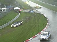 今年のニュル24Hが雹(ひょう)+豪雨でカオスだったらしい動画。レーシングカーほいほい。