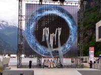 スイスで行われた世界最長の鉄道トンネルの開通式典が難解すぎて各国首脳が困惑。