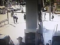 帰宅途中のJC5人が巻き込まれた川崎信号無視レクサス歩道乗り上げ事故の映像がキテタ。