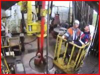 衝撃の死亡事故。ゴンドラのワイヤーが切れて作業員1名が亡くなった事故の映像。