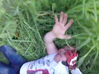 突然襲ってきた男を返り討ちにした一人称視点のバトル動画。ヘルメットカム。