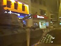 【速報】トルコでクーデターか!?軍の一部が海峡を閉鎖。空には戦闘機。街には戦車。空からの攻撃も。