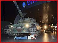 トルコで戦車が市民をひき殺す。動画がネットに投稿されて話題に。再生注意。
