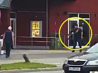 ミュンヘン拳銃乱射事件で犯人が買い物客らに向かって発砲している映像が公開される。