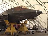 グングン動画。F-35B(ステルス戦闘機)の兵装テスト。25mmガンポッドを地上試射。