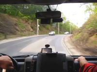 ハンガリーの救急車がはやい!はやい!荒れた路面もなんのそので猛スピードで駆け付ける。