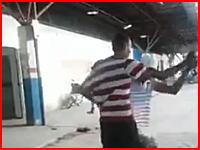 喧嘩相手を瞬殺した男の映像が「やっぱ柔道つえええええ!」と話題になる。