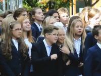 ノリノリでイケイケ少年のビデオから予想する校内の人間関係。(1)はまじ美人。