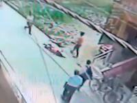 ストーカーに22か所刺された21歳の女性の映像が公開される。赤枠注意。