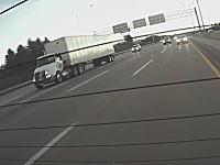 セミトレーラーの破壊力。イリノイ州で発生した恐ろしい事故の映像がドラレコに記録される。