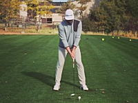 これは真似できない。ゴルフの新しいトリックショットがアメリカ人により考案される。