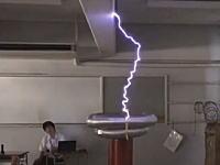 高槻高校の電研が凄すぎる!テスラコイルにけいおん!!のオープニングを演奏させた動画が話題に。