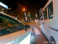 信号待ちで後ろから煽ってきてたプリウスの隣に並んだら絡まれた車載。