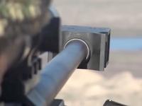 173人のイスラム国員を射殺したと主張するスナイパーの武器がでかい。