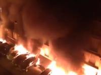 フランスパリで駐車場に停めていた26台もの車が放火によって燃やされる。