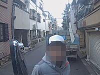 ばっちり顔映ってるwww京都市で撮影された車上荒らしがサイフを盗む犯行の瞬間。
