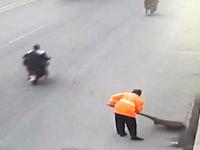 これが中国の民度。人が死にそうになってても誰も手助けしようとしない中国。