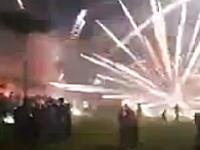 新年を祝う打ち上げ花火が地上で炸裂して10人が負傷した事故の映像。