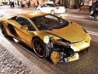 2017年一番最初にランボルギーニ・アヴェンタドールを壊したのはこの人だろうなwww