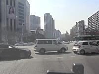 緊急車両なのに譲ってくれない(´・_・`)韓国の消防署が車載映像を公開。