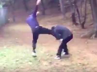 沖縄の中学校のイジメ動画がひどすぎる。一方的に殴る蹴るのフルボッコ。