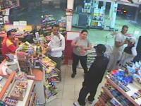 不運な強盗。拳銃を持って押し入った店内には最強の男が買い物中だった。