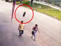 恐ろしい衝撃。ブラジルで撮影された脱落タイヤによる不意打ちK.O.