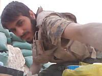 土嚢防壁の内側。ISISと最前線で戦うイラクの兵隊さんの自撮りビデオが凄い。