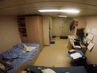 船乗り動画。荒れた海を行く貨物船で生活をするのはこんなにも大変。