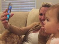 会話は成立しているのかwwwフェイスタイムで会話する赤ちゃんと赤ちゃん。