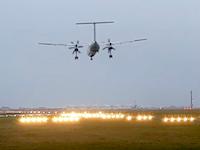 ボンバルディアDHC8-Q400が着陸失敗(動画)突風に煽られ右主脚が折れる。