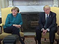 トランプ大統領、メルケル首相との握手を促されるももガン無視wwwww