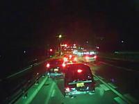 4台が絡む玉突き事故を起こしてしまった側からのドライブレコーダー映像。