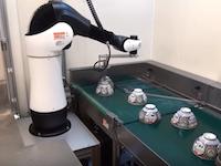 これ・・・いる?www吉野家に導入されたロボットがなんだかとっても微妙。