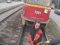 連結失敗であぶねええええ。女だらけで列車を連結させようとするとこうなる(´・_・`)