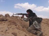 シリアの人間狩り。必死に逃げるシリア兵をみんなで狙い撃ちにするISIS隊員たち。