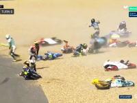 なにごと?wwwフランスMoto3で20台が同時に転倒。その映像がすごいwwwww