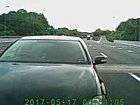 近すぎワロタ。阪神高速でぞろ目の神戸ナンバーに煽られたドラレコ動画。