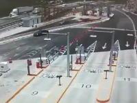 高速で投げ出された鉄パイプの破壊力(((゚Д゚)))メキシコで恐ろしい事故が撮影される。
