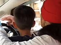 フェラーリホンダ。茨城県の公道を子供に運転させる動画が炎上ぎみに。
