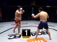 韓国の総合格闘技で最悪の展開。ファーストコンタクトで蹴りが股間に炸裂(@_@;)