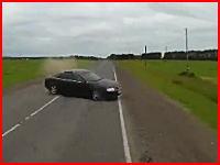 車でも高速で事故ると一瞬で手足が千切れ飛ぶ。ロシアで恐ろしい事故が記録される。