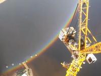 これはすごい。ロシアのサンクトペテルブルクで欠けるところがない全円の虹が撮影される。