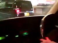 逮捕者が出たばかりなのに。また子供を膝に乗せて運転させる動画が投稿される。