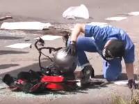 これってやっぱりヘルメットの中身があったのかな。北海道のバイク事故のニュースに衝撃映像が映ったかもしれない。