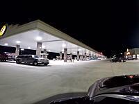 テキサス州にある世界一のガソリンスタンドがとんでもない広さ。