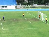 【サッカー】タイのPK戦でミラクルが起こる。キックからの最長時間ゴールじゃね?