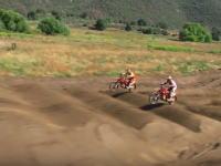 直線のコースでモトクロスレースをやったら完全にエキサイトバイク。