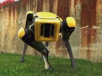 ボストン・ダイナミクス社の4足歩行ロボットがスマートになる。SpotMini